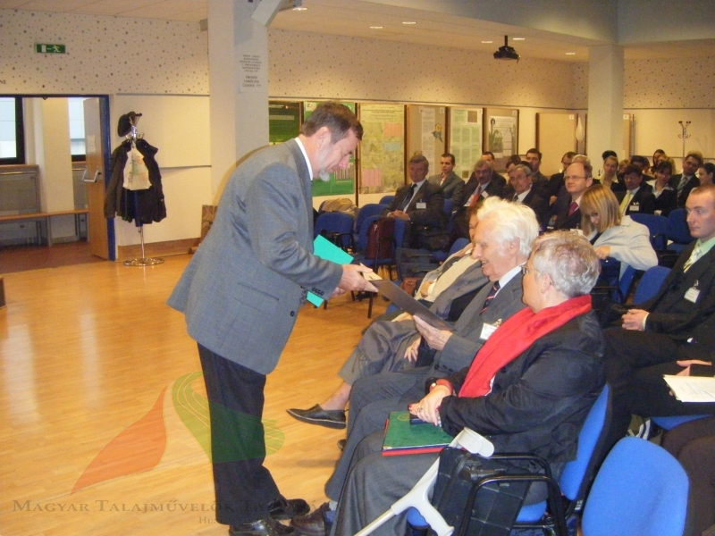 Márton Jolánkai greets professor Spaldon in Nyitra