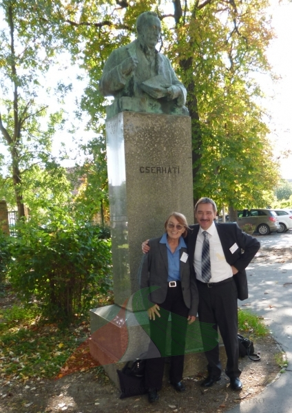 Márta Birkás and Rezső Schmidt  at Cserhát's statue in Óvár