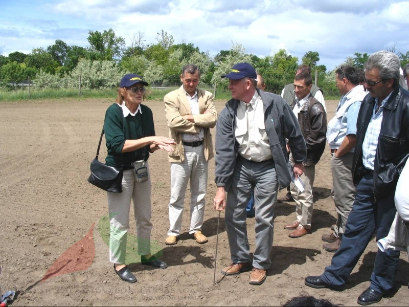 Márta Birkás  with farmers