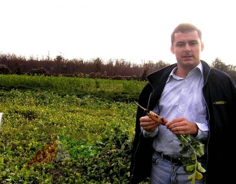 Csaba Gyuricza in the field